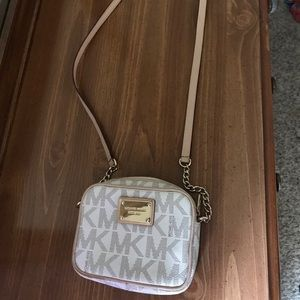 Michael Kors cream small Crossbody, good condition